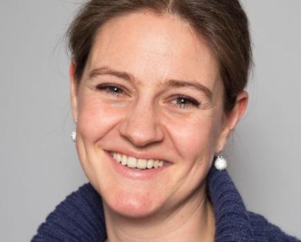 Dr. Olga Braams